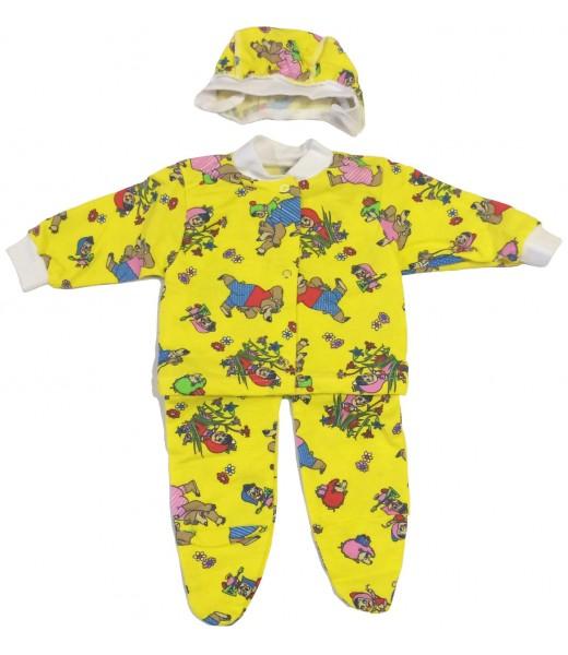 Комплект для малыша: рубашка, чепчик и ползунки.
